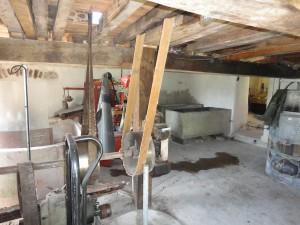 Rénovation des murs de la salle de lavage à la chaux