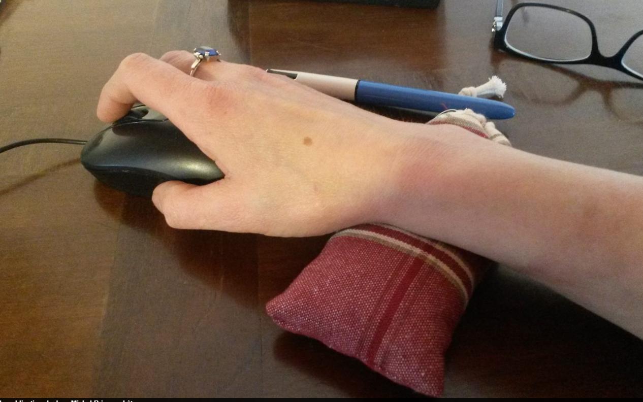 pose poignet pour souris en épeautre